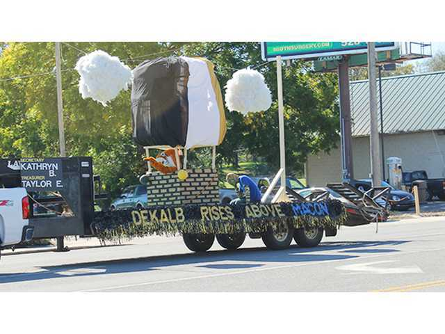 Click to play DCHS Homecoming Parade (VIDEO)