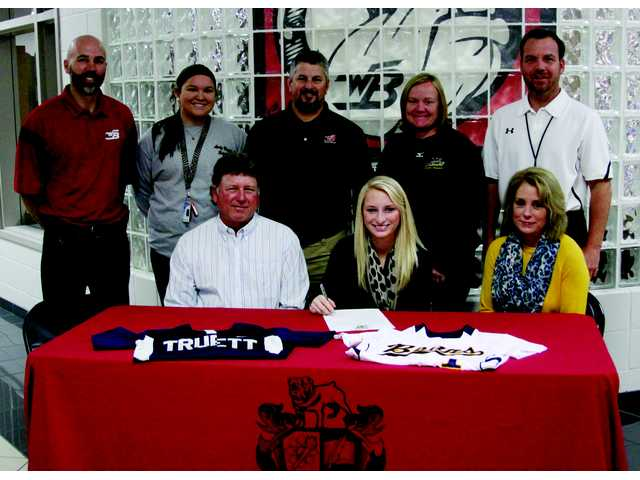 Lady Bulldogg signs dream offer to play college softball