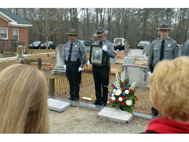 Statham honors its fallen officer