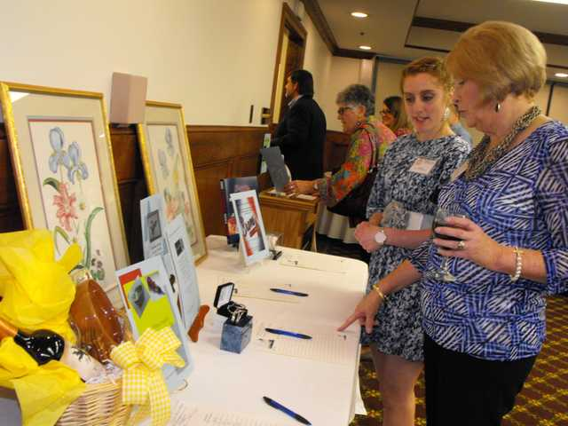 Tree House auction, banquet draws a crowd