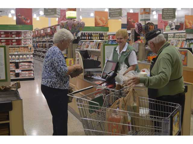 Longtime Winder grocery store clerk retires