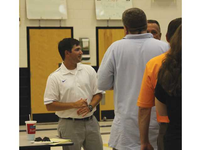 Apalachee community meets coach