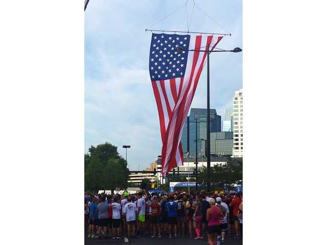 PHOTO GALLERY: Barrow Runs the Peachtree