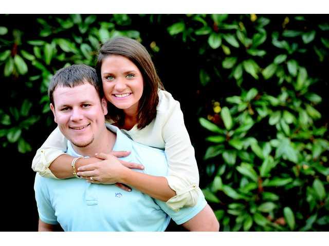Sarah Elizabeth Hawkins, Joshua Allen Wilson announce engagement