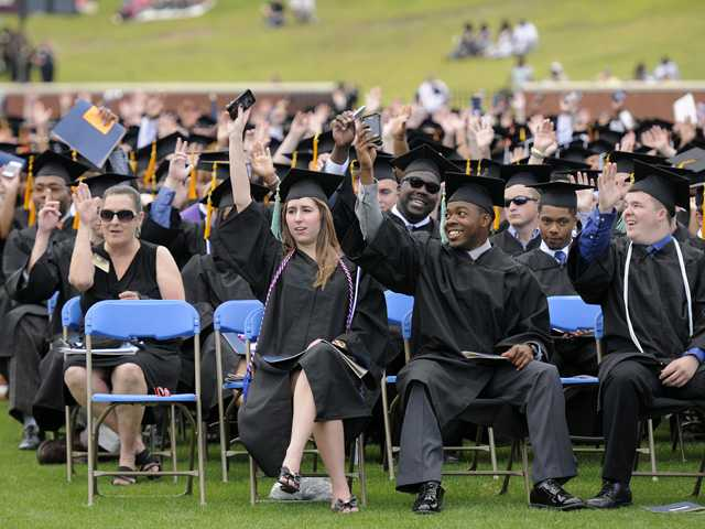 Georgia Southern awards more than 3,200 degrees