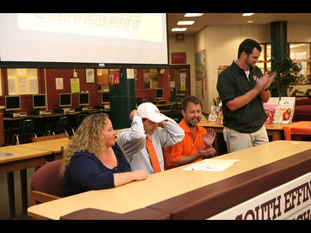 Parker signs with SSU