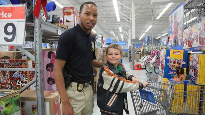 Cops bring holiday joy to children