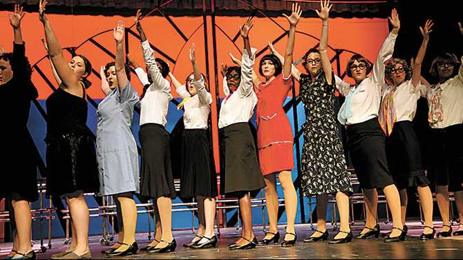 Roaring good time at Heritage's 'Modern Millie'