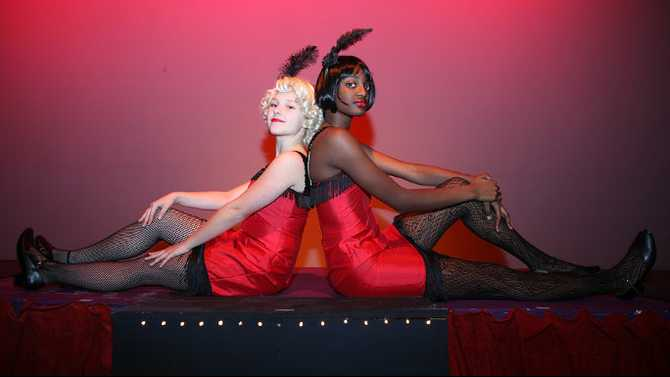 'Chicago' lights Salem stage