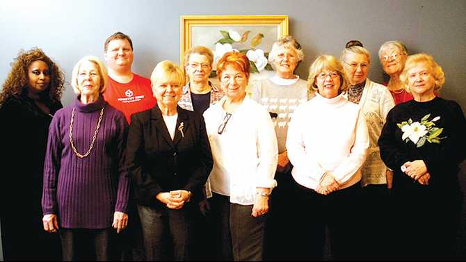 Friends of the Library elects officers for 2014