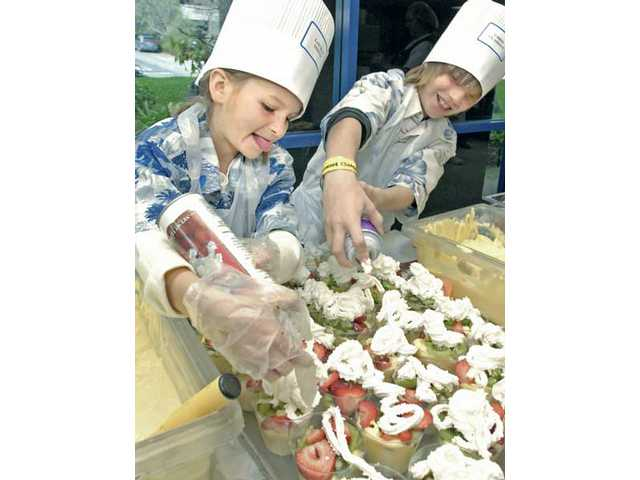 Students take field trip to the kitchen