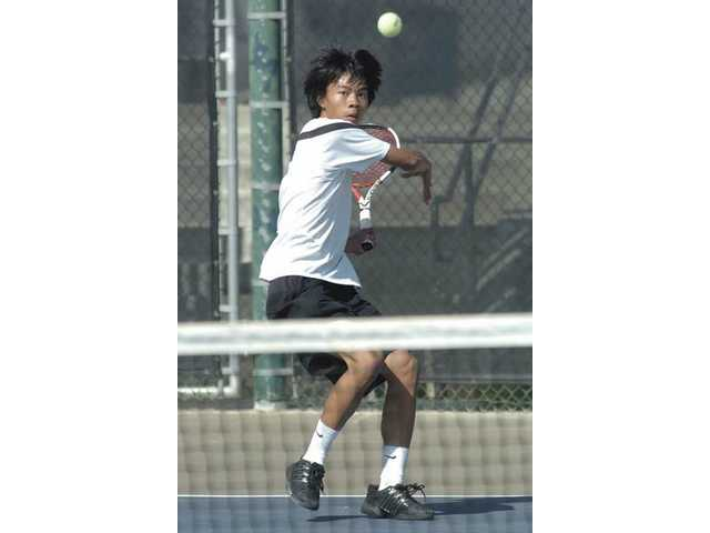 Boys tennis: Valencia's sour note