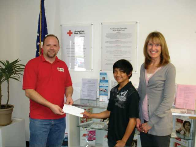 La Mesa donates to Red Cross