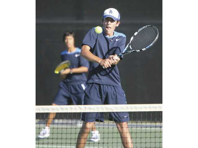 Wildcats tennis grabs momentum
