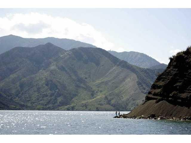 Updated: Pyramid Lake open again