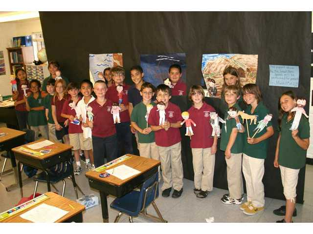 Pinecrest fourth-graders perform puppet show