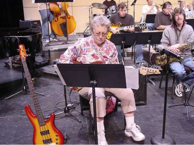 Studio legend Carol Kaye joins COC Studio Jazz Ensemble