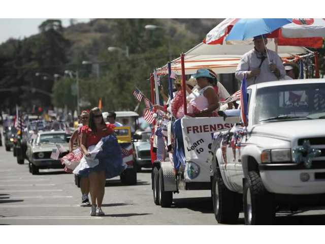 Applications available for July 4th parade