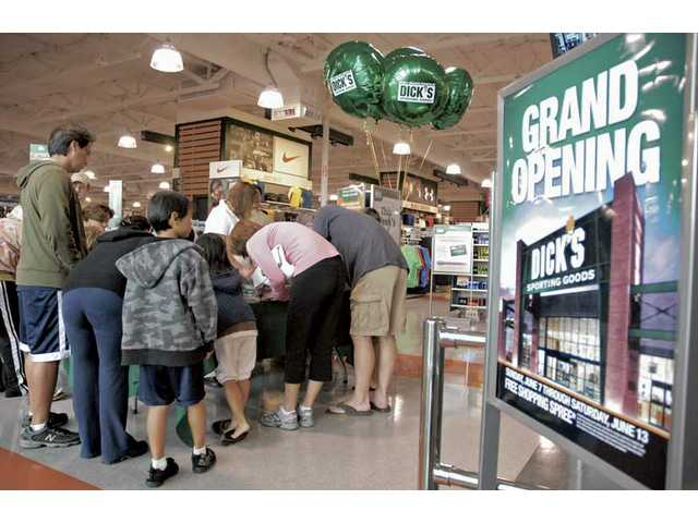 Dick's Sporting Goods: Grand opening