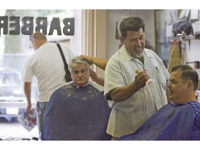 Canyon Country barber runs a trim business