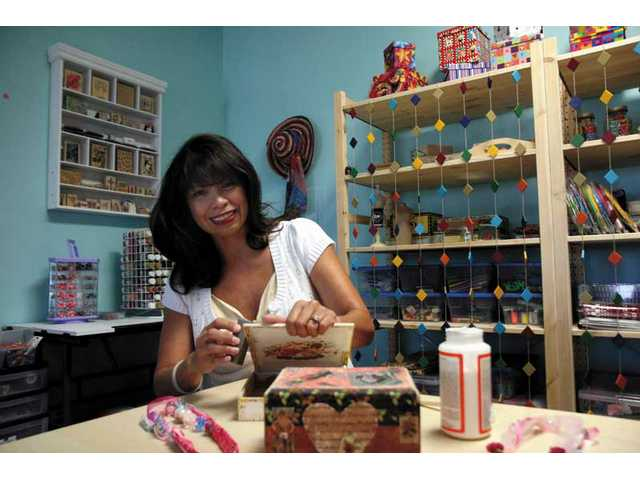 Craft shop opens in Canyon Country