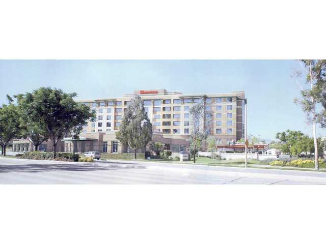 Planning commission signs off on Valencia Sheraton