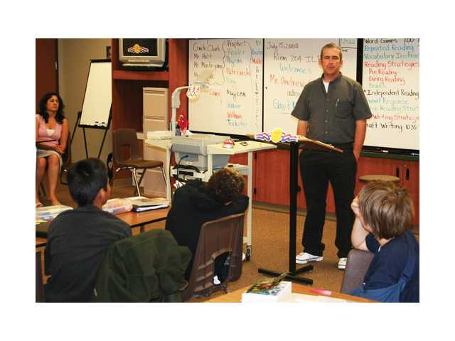 Author speaks to reading class