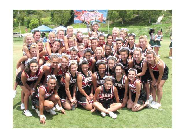 Hart cheerleaders to host clinic