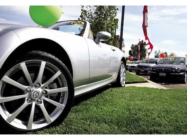 Uncertain economy means car deals