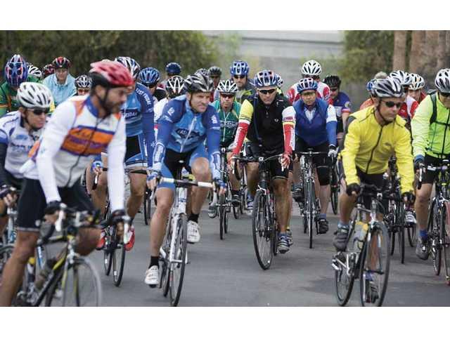 Cyclists start 508 mile race