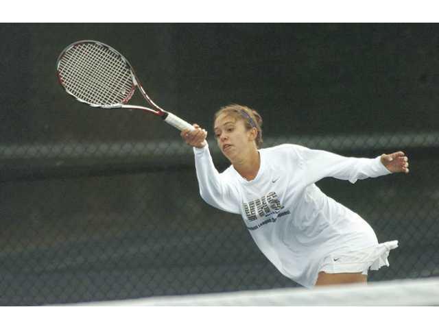 Valencia's turn: Vikings tennis tops Hart