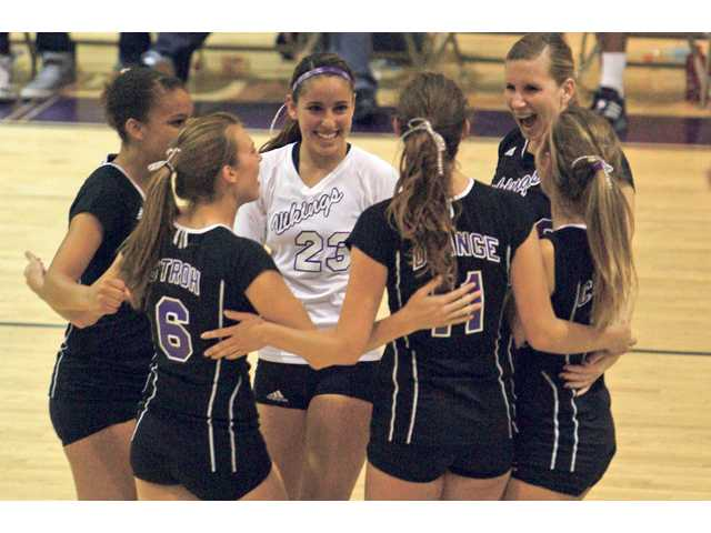 Valencia volleyball won't have any sharing, wins league title