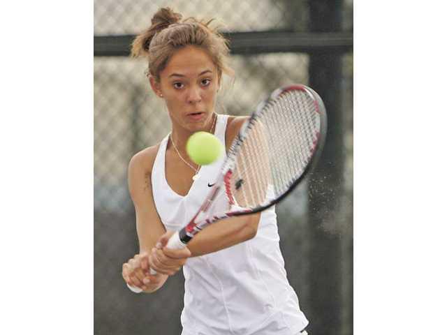 Vikes' tennis step one