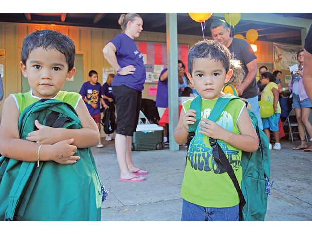 Castaic church equips Val Verde kids for school