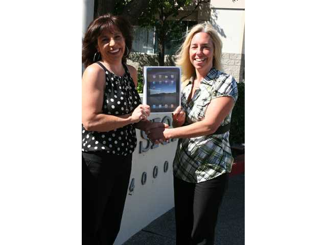 Returning Signal subscriber wins iPad in Circulation contest