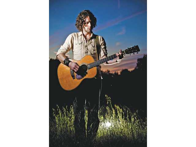 Singer-songwriter Craig Lyons to perform