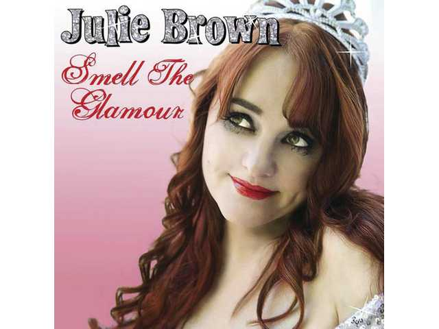 Julie Brown - Photo Set