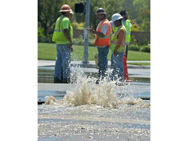 Valencia intersection closed due to water main rupture