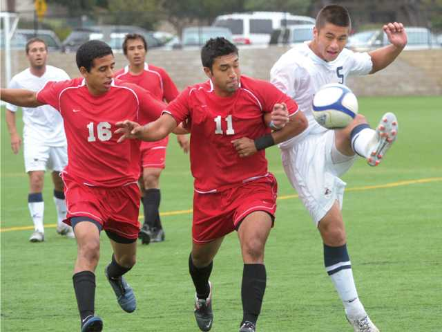 TMC notebook: Soccer squads get tune-up before postseason