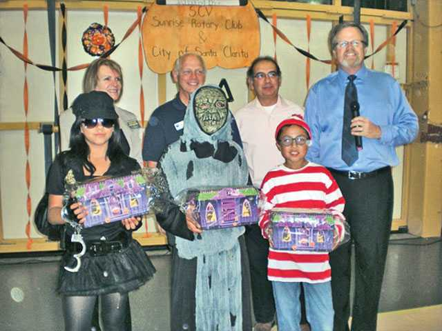 Halloween winners in Newhall