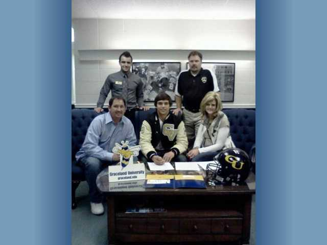Golden Valley quarterback Soliman commits to Graceland
