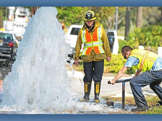 Solo crash in Saugus involves sheared fire hydrant