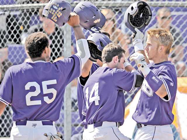 Foothill League baseball: Not going without a fight