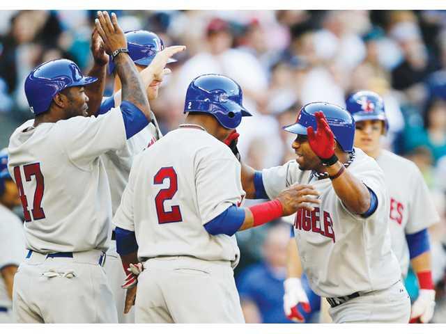 MLB: Pujols, Callaspo homer and Angels top Mariners