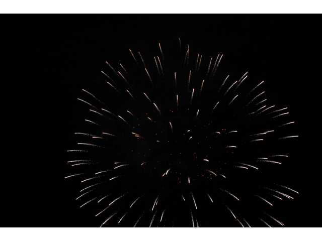 SCV enjoys Fourth fireworks at Westfield Valencia Town Center