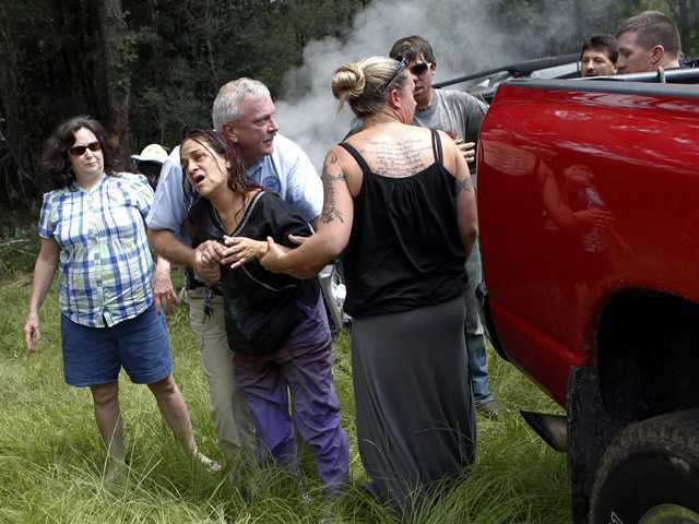 Photographer recounts burning car rescue