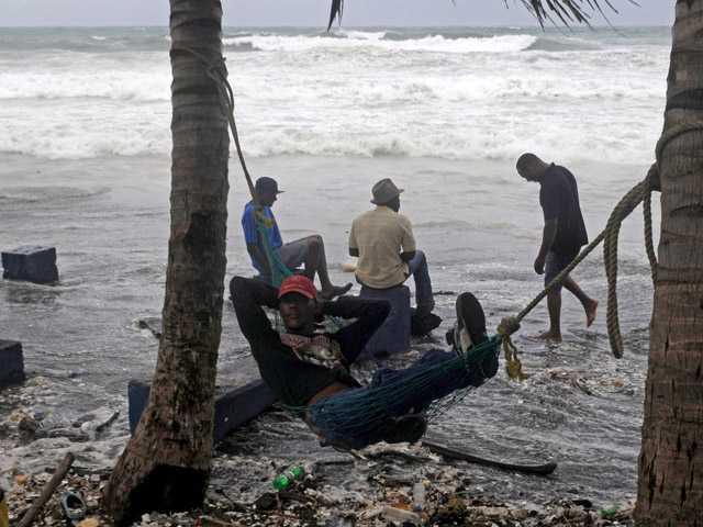 Isaac nears Haiti with homeless quake population