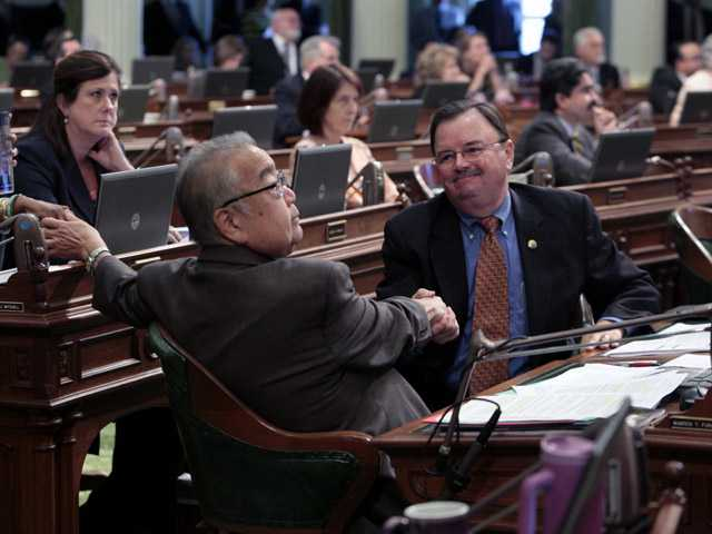 Calif. legislature OKs pension changes