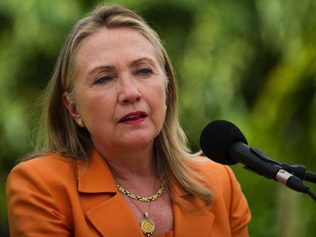 Clinton to urge ASEAN unity on South China Sea