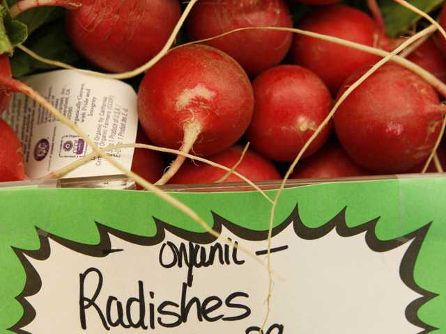Study questions how much better organic food is